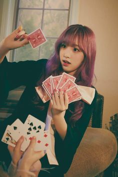 Pink Hair, Red Hair, Eyes On Me, Japanese Girl Group, Be A Nice Human, Meme Faces, The Wiz, Girl Face, Videos Funny