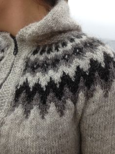 This makes me feel warmer just thinking about her sweater zipped up tight. Knitting Wool, Fair Isle Knitting, Sweater Knitting Patterns, Knitting Designs, Icelandic Sweaters, Wool Sweaters, Gents Sweater, Knitwear, Knit Crochet