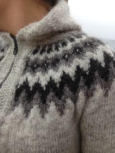 Lopapeysa, 18 Var with slight modifications from http://www.birgirsdottir.no/