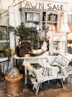 454 Best Flea Market Vintage Style Decorating Images In 2019 Country Style Painted Furniture