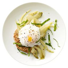 1 poached egg over half a whole wheat English muffin with 1 cup sliced fennel sauteed in 1 tablespoon olive oil. Sprinkle with 1 tablespoon sliced basil and cracked black pepper. Serve with fresh peppermint tea (crush fresh leaves and steep in hot water). - FamilyCircle.com