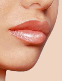 How to make your lips look bigger & plumper without surgery
