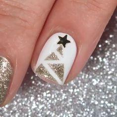 Christmas Tree Nail Designs, Christmas Tree Nails, Xmas Nails, Holiday Nails, Diy Nails, Christmas Design, Nail Art Designs Videos, Nail Art Videos, Nail Design Video