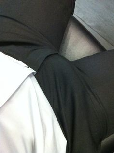 guys-with-bulges:   Bulging in the office. | Suit and Tie Bulges