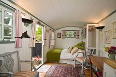 Lovely Self catering Shepherds Hut | Airbnb Mobile