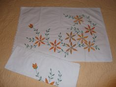 2 Vintage Embroidered Pillow Cases Yellow Floral Pattern by PaulasVintageAttic, $18.99 #vintage #linens #pillow cases