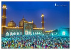 Jama Masjid was built by mughal emperor. The courtyard of this mosque can accommodate more than 25,000 persons.