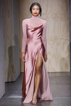 Jonathan Simkhai Fall 2019 Ready-to-Wear Collection - Vogue The complete Jonathan Simkhai Fall 2019 Ready-to-Wear fashion show now on Vogue Runway. Dress Outfits, Dress Up, Prom Dresses, Fashion Outfits, Satin Dresses, Fashion Pics, Fashion Games, Long Dresses, Dress Fashion
