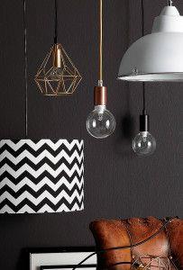 Trångt på golvet? Gör ett lampstilleben för att lyfta rummet.