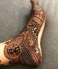 Mehndi is used for decorating hands of women during their marriage, Teej, Karva Chauth. Here are latest mehndi designs that are trending in the world. Arabic Bridal Mehndi Designs, Mehndi Designs Feet, Legs Mehndi Design, Henna Art Designs, Mehndi Designs For Girls, Mehndi Designs 2018, Stylish Mehndi Designs, Dulhan Mehndi Designs, Mehndi Design Pictures