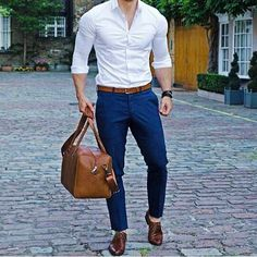Moda casual hombre fashion jeans for 2019 Grunge Fashion, Trendy Fashion, Luxury Fashion, Mens Fashion, Fashion Ideas, Business Casual Attire For Men, Smart Casual Menswear, Business Fashion, Types Of Fashion Styles