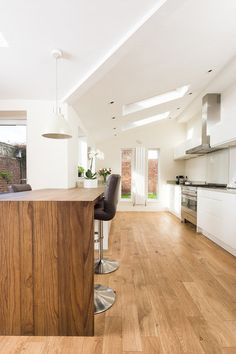 Contemporary Kitchen by in-toto Kitchens Newcastle