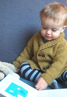Storytime Scholar Cardigan PDF knitting pattern by frogginette Baby Sweater Knitting Pattern, Knit Baby Sweaters, Boys Sweaters, Baby Knitting, Knitted Baby, Chunky Cardigan, Knit In The Round, Stockinette, Garter Stitch