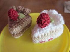 小さい編みいちごショートケーキの作り方 編み物 編み物・手芸・ソーイング ハンドメイドカテゴリ ハンドメイド、手作り作品の作り方ならアトリエ