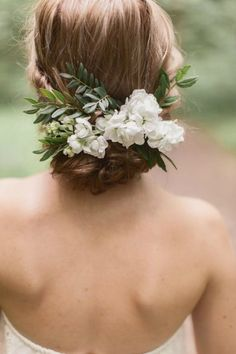 Bohemian wedding hair with live greens and white florals