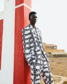 """507 mentions J'aime, 5 commentaires - Tongoro (@tongorostudio) sur Instagram: """"Statement for the bold ones. 02.20.2020 on tongoro.com ❤️ #MogoByTongoro #MadeInAfrica #Mensfashion"""" Be Bold, African, Mens Fashion, Photo And Video, Guys, Chic, Instagram, Videos, Photos"""