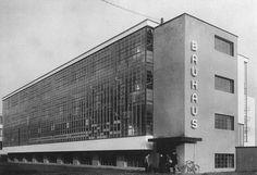 Architect: Walter Gropius, Dessau, Germany.