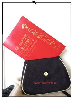 VINTAGE BLOG: Tajemství všech Pařížanek? Jedí tuny karamelek!   www.vintageblog.cz Little Paris, Sunglasses Case, Reading, Books, Vintage, Libros, Book, Reading Books, Vintage Comics
