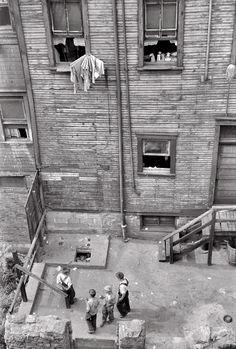 Arthur Rothstein  Slums in Pittsburg, Pennsylvania 1938