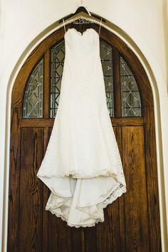 Photography: Christopher Nolan Photography - christophernolanphotography.com Wedding Dress: Proposals - proposalsboutique.com   Read More on SMP: http://www.stylemepretty.com/2013/12/27/halekai-iii-house-wedding/