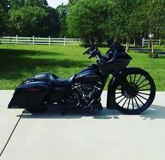 Bagger Motorcycle, Harley Davidson Road Glide, Custom Baggers, Bobber, Bike, Buckets, Mobiles, Badass, Brain