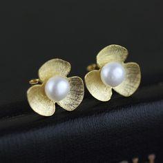Silver Earrings – Flower Pearl 925 Sterling silver stud earrings – a unique product by TO_Design on DaWanda