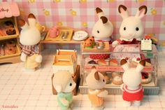 Sylvanian Families Donut Shop want this (or a chocolate shop if it exists)