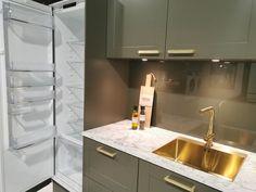 AUBO Trend Nordic kjøkken Ikea Kitchen Remodel, Interior Design Kitchen, Backsplash, Sink, Home Decor, Minimalism, Kitchen Modern, Sink Tops, Vessel Sink
