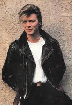 David Bowie, Los Angeles, 1987 by Herb Ritts Bowie Ziggy Stardust, David Bowie Ziggy, David Jones, Images Of David Bowie, The Thin White Duke, Iggy Pop, Lets Dance, Music Icon, Brixton
