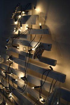 DIY Christmas Tree l Pallet Christmas tree l Modern Christmas tree l Space saving Christmas tree