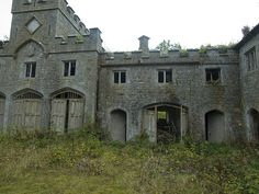 Horse stables attached via corrodor to thw house. This is opposite side of it, opena up to the vast paatures