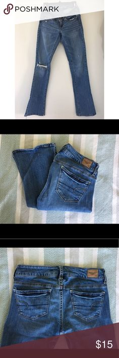 AE Jeans, Size 4 American Eagle skinny kick jeans. Darker wash. Pockets have a sequin detail. Stretch. Super comfortable. Only worn a few times. Skinny with a little flare at the bottom. Size 4. American Eagle Outfitters Jeans Skinny