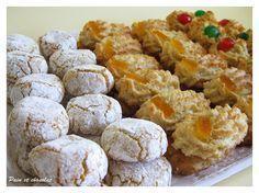 una ricetta di pasticcini di mandorla che un po' si differenziano dalle altre ricette per la minore quantità di zucchero