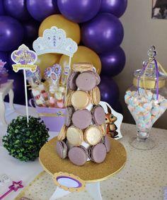 Torre de Macarons by Violeta Glace