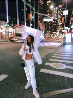 See more of anna-heid's content on VSCO. Bild Girls, Foto Glamour, Shotting Photo, Nyc Girl, New York Life, Instagram Pose, Instagram Blog, City Aesthetic, Insta Photo Ideas