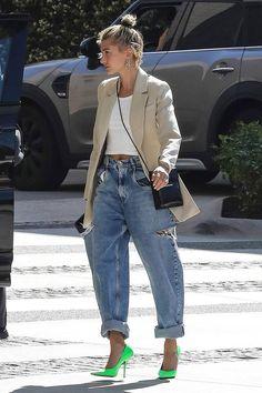 Denim Jeans To Shop If You Love Fashion - [Bawse] - Denim Fashion 80s Fashion, Denim Fashion, New York Fashion, Look Fashion, Fashion Outfits, Womens Fashion, Fashion Trends, Fall Fashion, Fashion Online