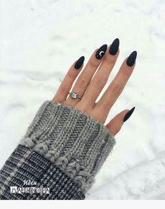 50 perfect almond nail art designs for this winter 35 – Nails Club Black Nail Designs, Nail Art Designs, Awesome Nail Designs, Almond Nails Designs, New Year's Nails, Hair And Nails, Trendy Nails, Cute Nails, Cute Black Nails