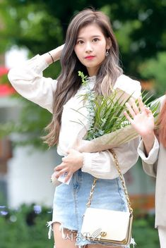 Sana-Twice 180713 Music Bank Prerecording Kpop Girl Groups, Korean Girl Groups, Kpop Girls, Nayeon, Sana Cute, Singer Tv, Sana Minatozaki, Twice Sana, Dahyun