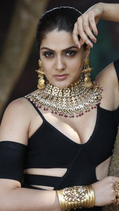 Most Beautiful Bollywood Actress, Bollywood Actress Hot Photos, Indian Bollywood Actress, Bollywood Girls, Hot Images Of Actress, Indian Actress Hot Pics, South Indian Actress Hot, Beauty Full Girl, Cute Beauty