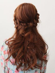 Love this hair.. combines the updo braid look below with some down, which I think I want.