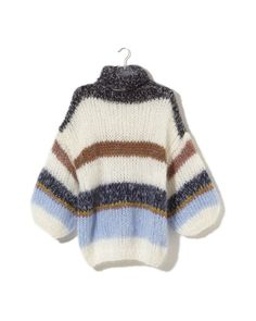 Find the latest additions to our online shop as well as the new collection. Unique knitwear, handmade with love - Shop now! Knitting Stitches, Knitting Yarn, Hand Knitting, Knitting Ideas, Chunky Knitwear, Mohair Yarn, Knitwear Fashion, Pullover, Knit Dress