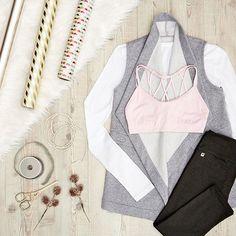 An effortless look to begin your holiday prep. // Lyra Outfit #flatlay #flatlays #flatlayapp www.flat-lay.com