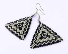 Seed bead earrings  Triangle Peyote Earrings by Anabel27shop