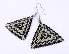 Seed bead earrings  Triangle Peyote Earrings by Anabel27shop