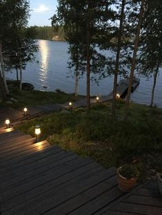 Myydään Mökki tai huvila 3 huonetta - Savonlinna Pihlajaniemi Suviniemi 61 - Etuovi.com d83893 Outdoor Living, Lakeside Living, Summer Cabins, Tiny Cabins, Lake Cottage, Ponds Backyard, Summer Dream, Country Life, Outdoor Gardens