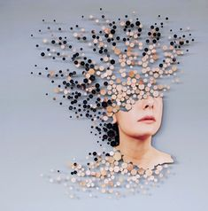 In her Fragmenta project, Italian artist Micaela Lattanzio cuts portraits in tiny pieces and reassembles them into interesting compositions that represent the fragmentation of female… Photo Projects, Art Projects, Photography Projects, Art Photography, Art Du Collage, Graffiti, A Level Art, Gcse Art, Italian Artist