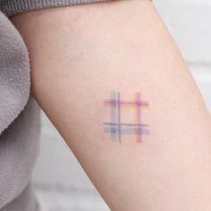 "1,155 Me gusta, 11 comentarios - STUDIOBYSOL _ saegeem (@saegeemtattoo) en Instagram: ""✱ Check pattern -* . . #saegeemtattoo #studiobysol #tattooing #tattooer #tattoo #tattooist…"""