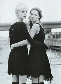 Emma Balfour and Kate Moss - 1994 ph. Thierry Le Goues