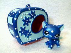 Dark blue light blue and white cat with light blue eyes on wishy list! :)   {Custom}