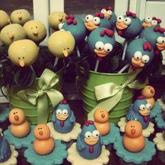 Cakepops e Mini Cupcakes Galinha Pintadinha  Chocolate com creme de avelã!!!  Nhamy!! <3